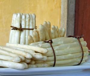 """Andrea Martinello: """"L'asparago bianco di Bassano."""" Licensed under a Creative Commons Attribution 2.0 Licence"""
