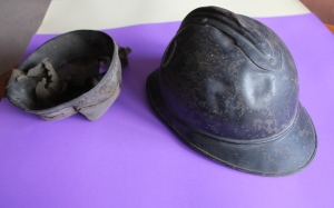 Jeang's helmet – French army issue.